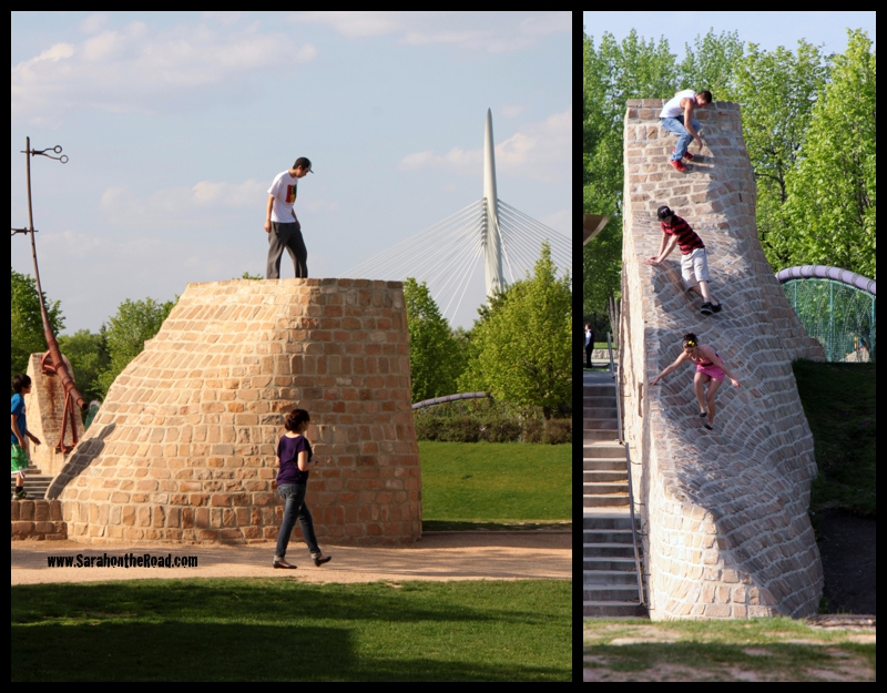Parkour kids working out.